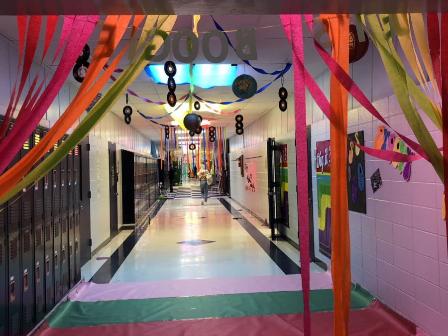 Hall decorating