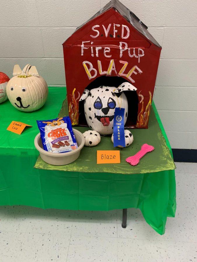 Second grade pumpkin decorating contest